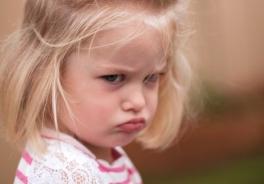 La rabbia sembra essere una delle manifestazioni che ci spaventano di più nei nostri figli. Cosa fare?